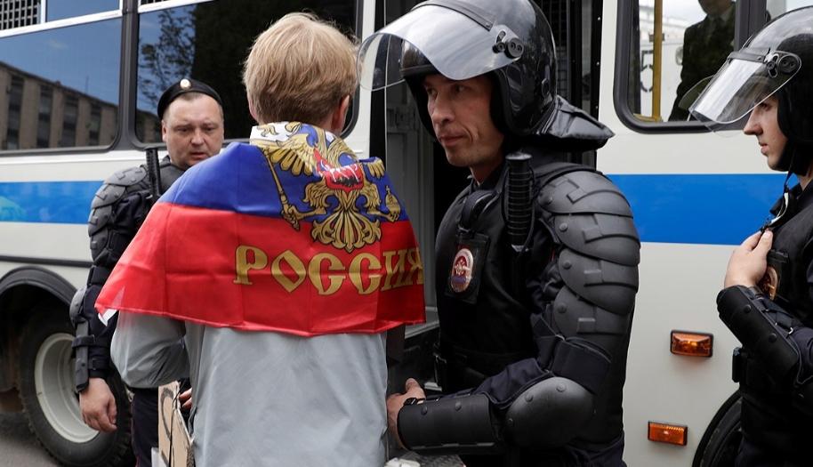 Российское руководство, как и общество, отравлено страхом перед Майданом