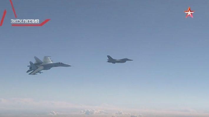 Появилось видео воздушного инцидента с самолетом Шойгу и истребителем НАТО
