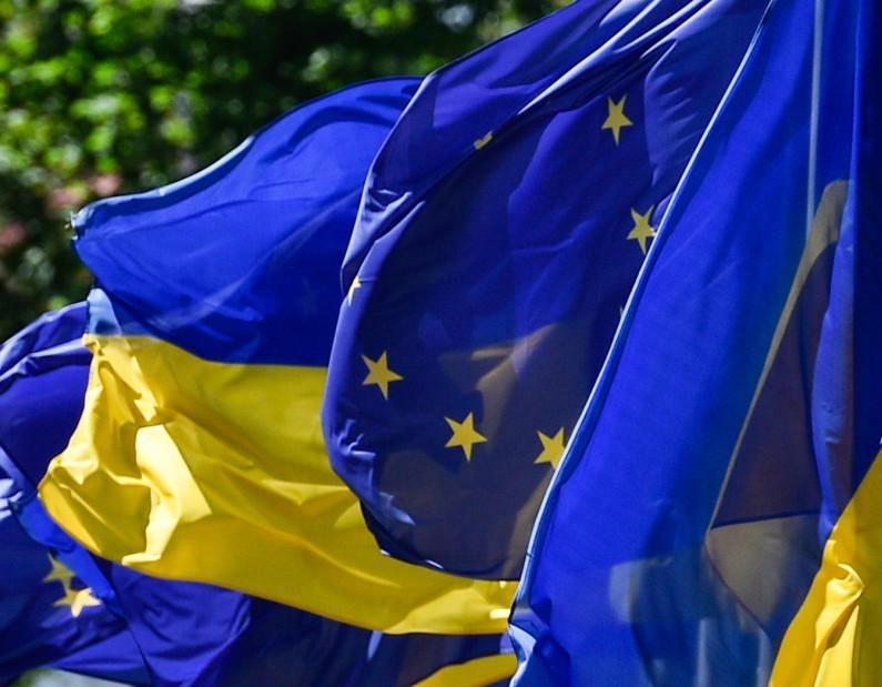 СтраныЕС ввели безвизовый режим для Украины