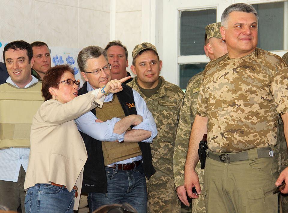 ВАТО прибыл спецпредставитель США Курт Волкер