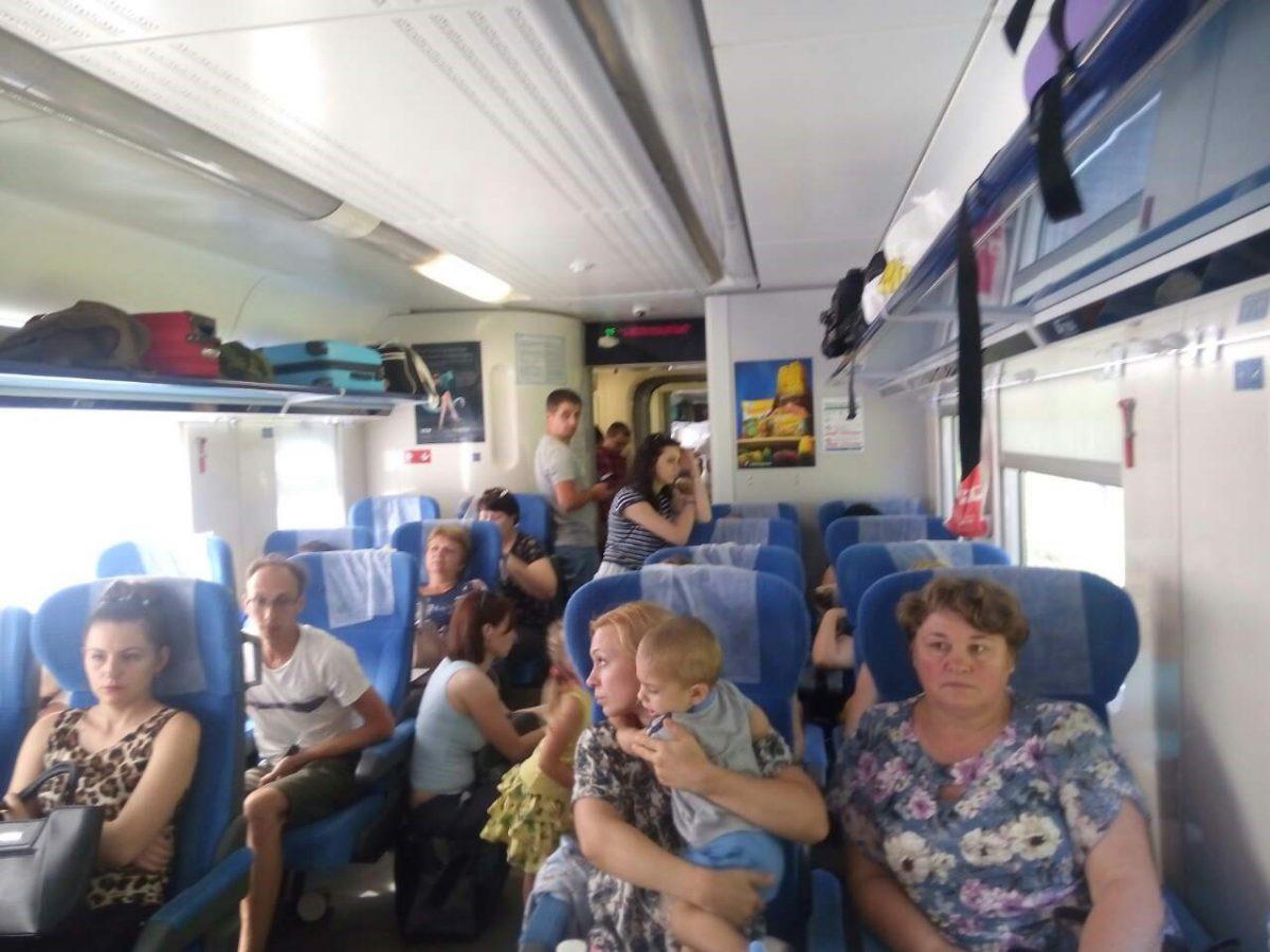 «Укрзализныця» открыла реализацию билетов на 2-ой поезд вПольшу— Пакуй чемодан
