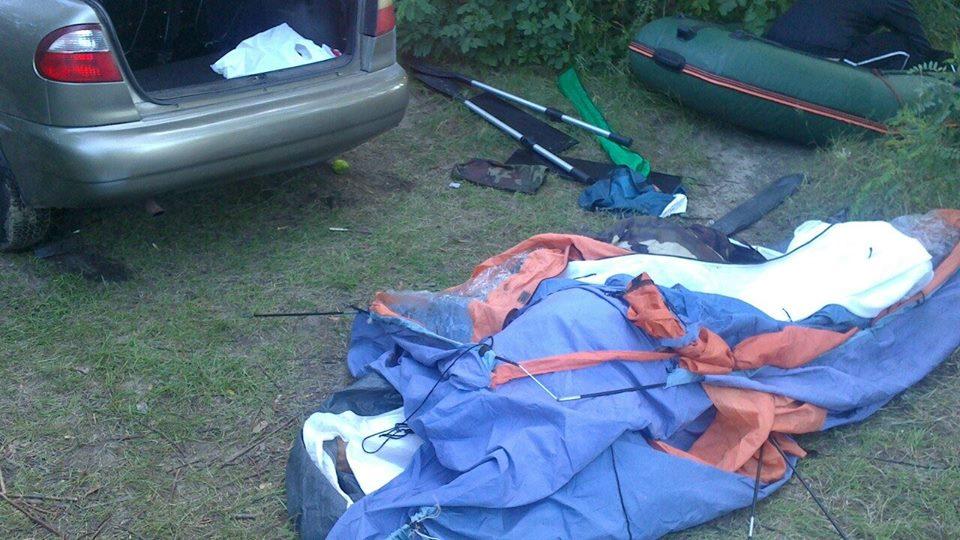 Автомобиль раздавил туристов в Киевской области