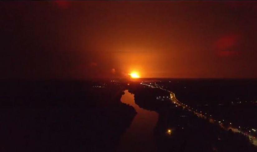 Небо над взрывающимися складами закрыли— Пожар вКалиновке