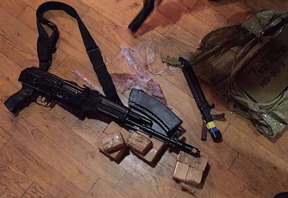 Тайник с оружием обнаружен под Кременчугом, - Нацполиция - Цензор.НЕТ 9235