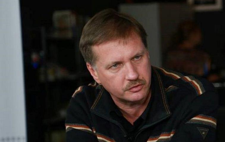 В «Народном фронте» утверждают оконфликте между Порошенко иАваковым
