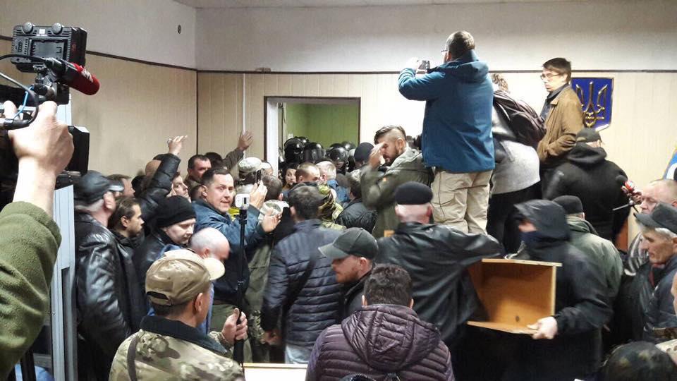 ВСвятошинском райсуде подсчитали убытки отпогрома любителями Коханивского