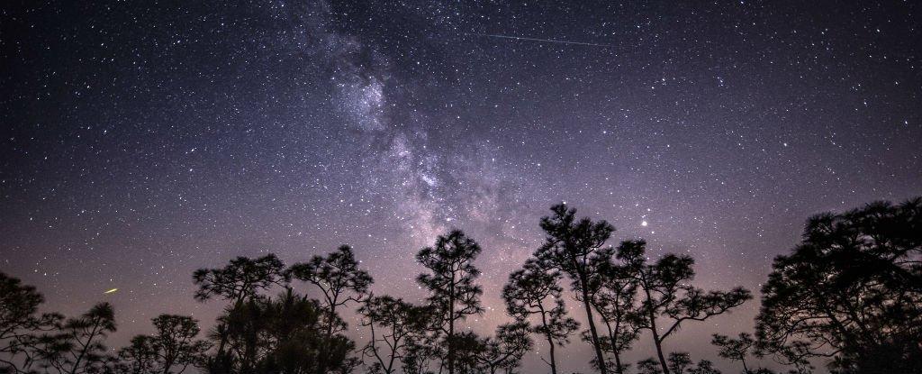 Взрыв ярчайшего метеора в небе над Китаем поразил очевидцев