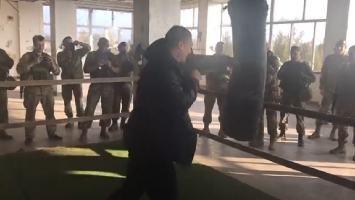 Известный украинский боксер отправился напередовую взону АТО