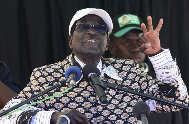 Президент Зимбабве отказывается уходить вотставку