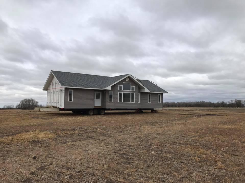 Канадец отыскал насвоем поле чей-то дом