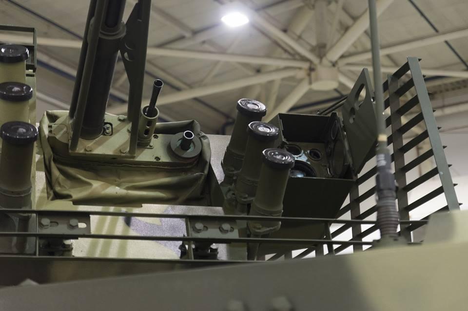 Порошенко: Новый украинский БТР соответствует стандартам НАТО