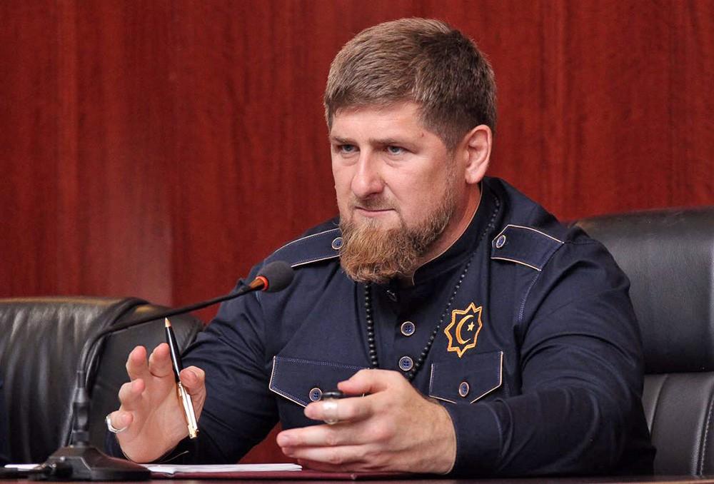 Чеченец из ИГИЛ напал с ножом на прохожих в Париже: есть жертвы