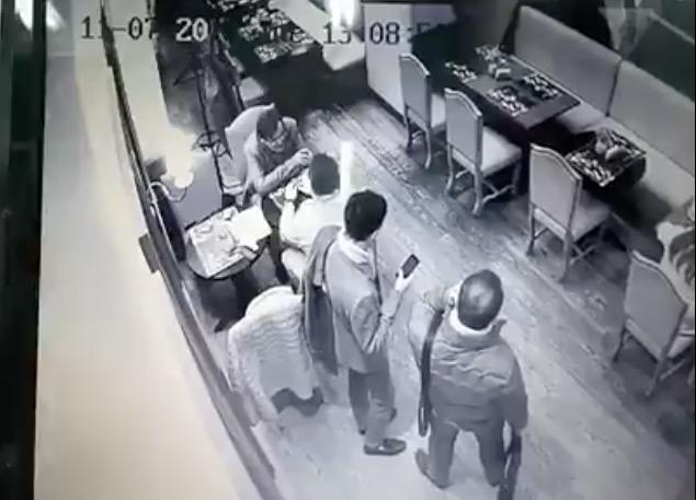 Вэлитном кафе украинской столицы ограбили экс-министра