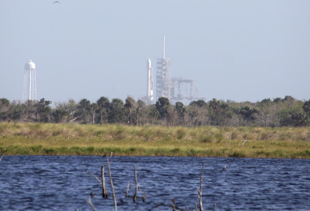 Space Xперенесла запуск ракеты ссекретным грузом