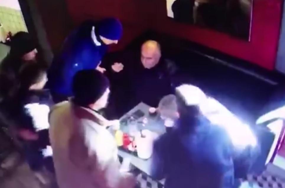 «На, кушай»: депутат Рады предложил Саакашвили съесть галстук
