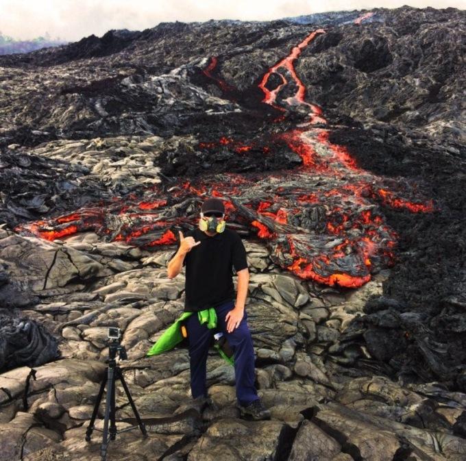 Забытая навулкане камера зафиксировала, как течет лава