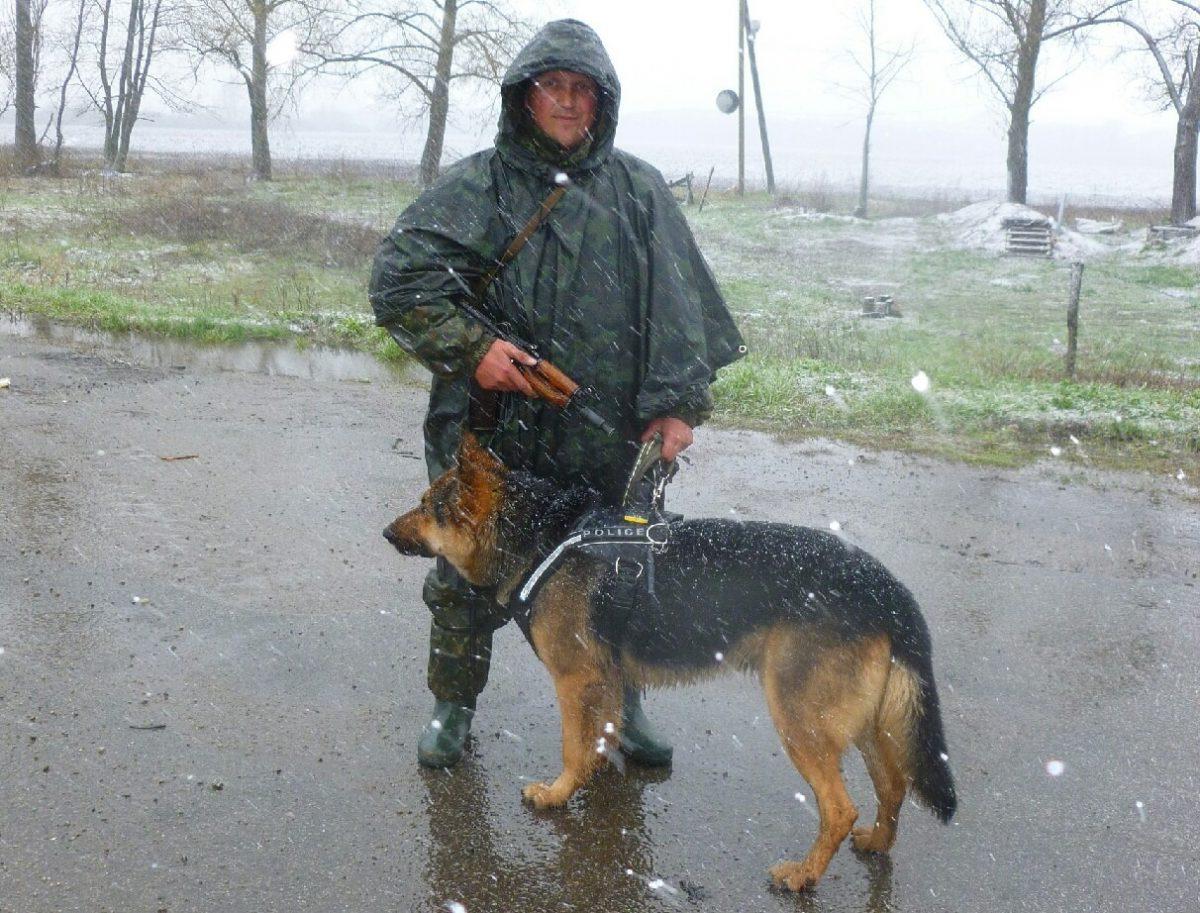 Виноват индюк. Под Киевом мужчина три дня прятался влесу