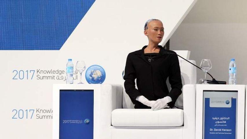 Человекоподобный робот София сообщила ожелании завести ребенка