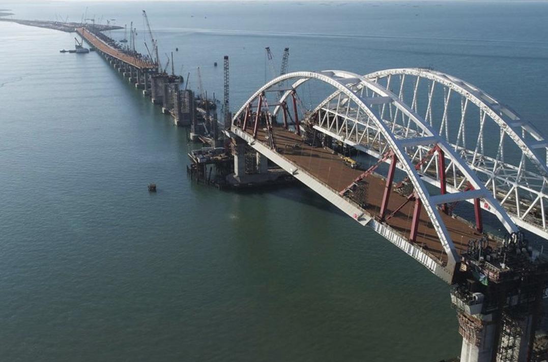 Берега Крыма иТамани соединят мостом доконца года