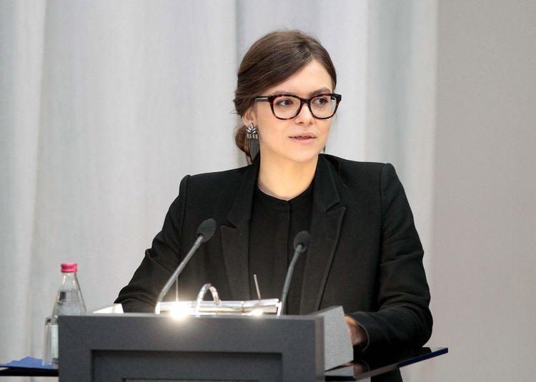 Кабмин сократил замминистра МВД Дееву