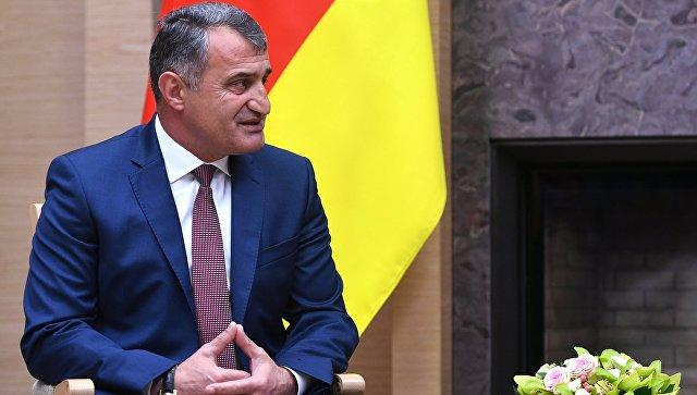 Президент Южной Осетии приехал вДонецк