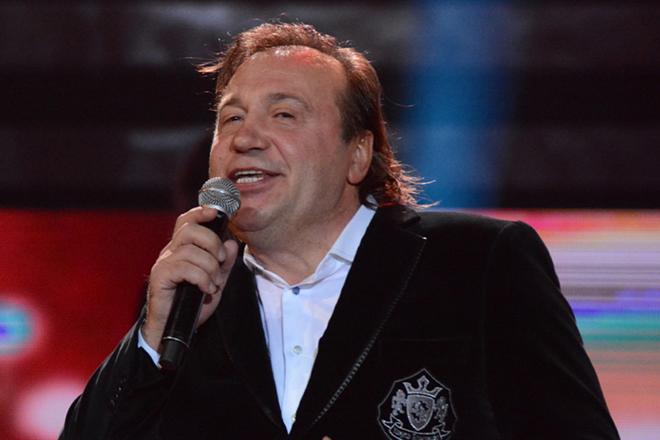 Таможенники отказали российскому певцу вовъезде вКрым