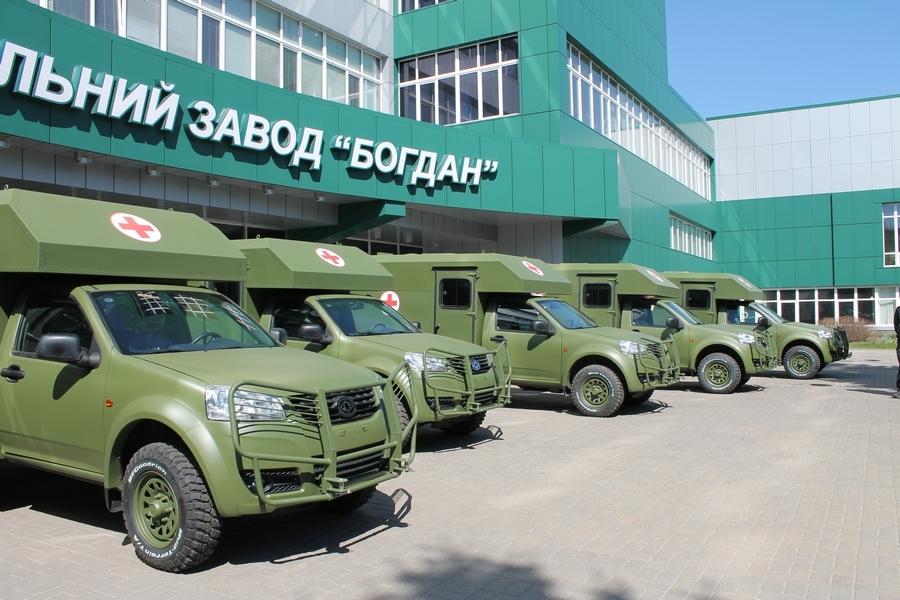 Половину санитарных авто «Богдан», поставленных взону АТО, довелось чинить - волонтер