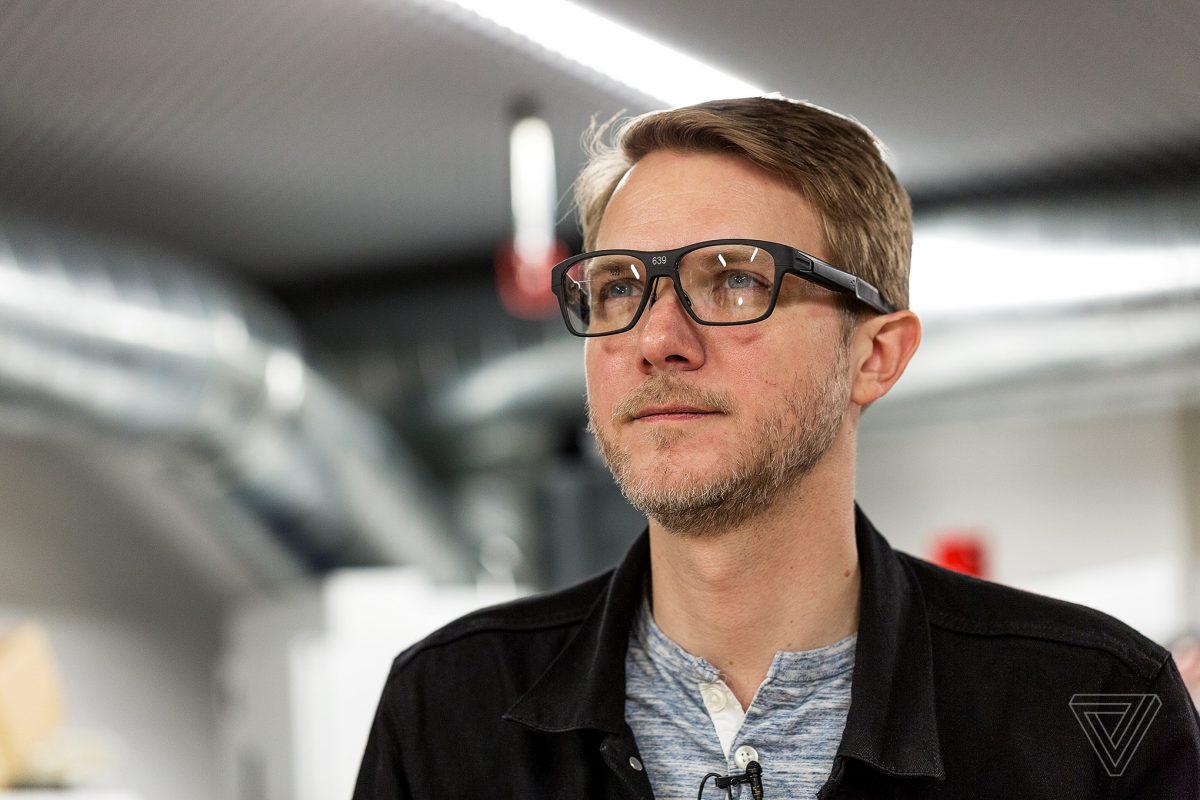 Intel представила «умные» очки Vaunt, которые проецируют изображение насетчатку