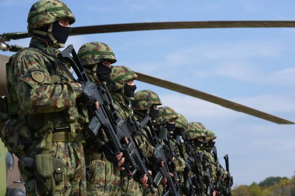 Сербия начинает масштабные военные учения награнице сКосово