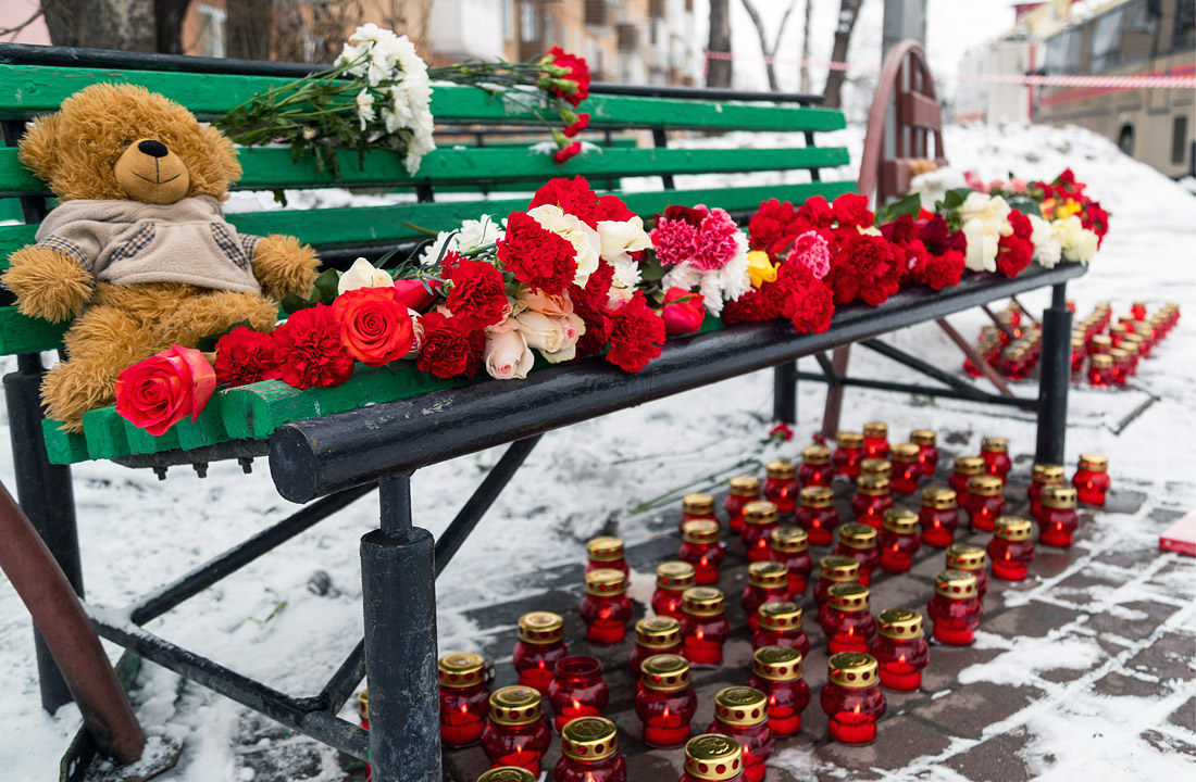 Впожаре вКемерово погибли 64 человека, шесть человек остаются под завалами