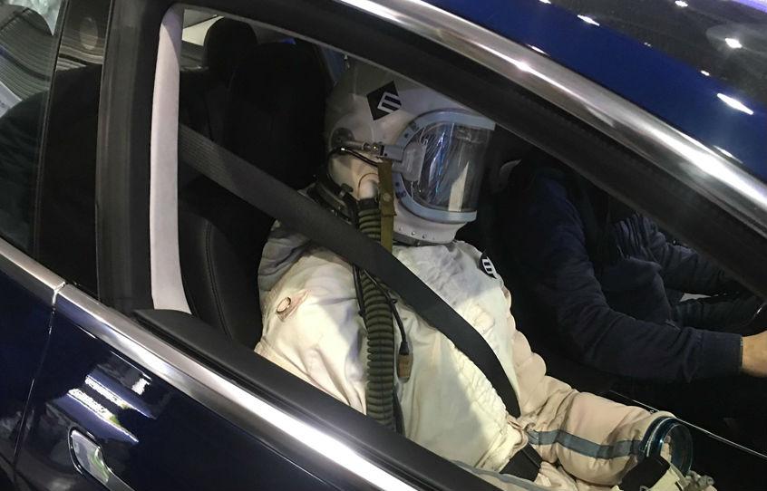 Электрокар Tesla Model 3 впервые появился вУкраине class=
