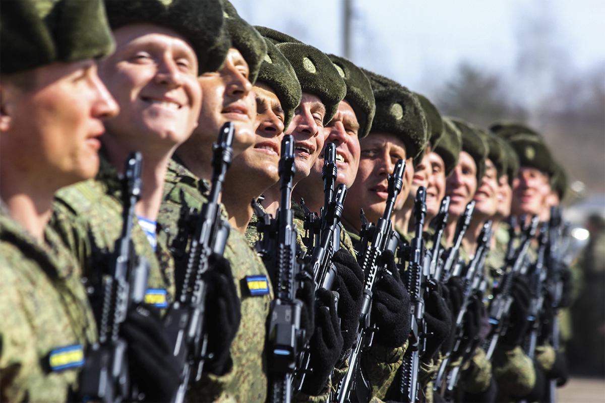 Российская Федерация привела свои войска вбоевую готовность: названа причина