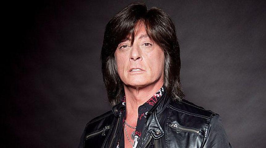 Экс-вокалист группы Deep Purple госпитализирован вБСМП