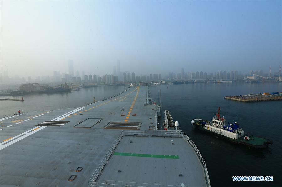 Китай вывел в море первый авианосец собственного производства (Видео)