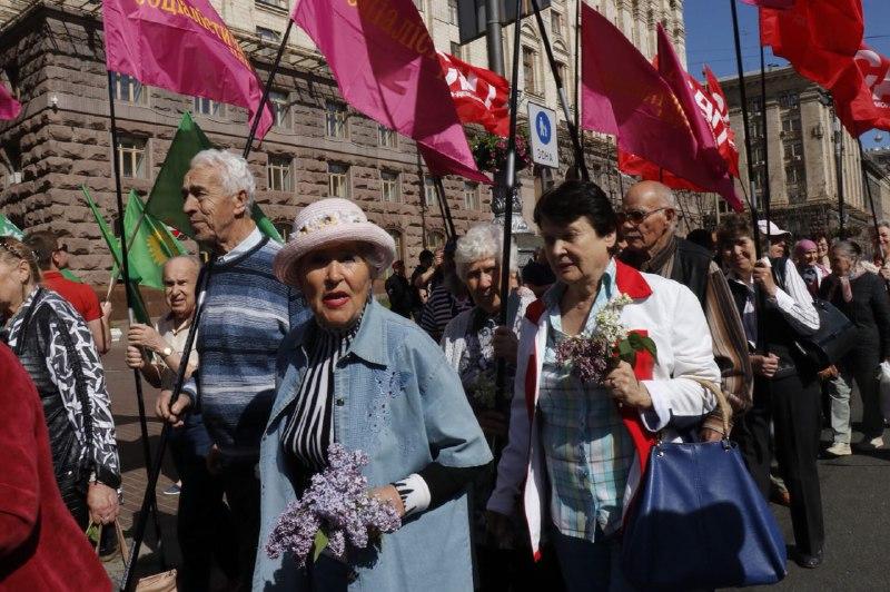 Тучи сгущаются: вцентре украинской столицы перекрыли улицы исвозят силовиков