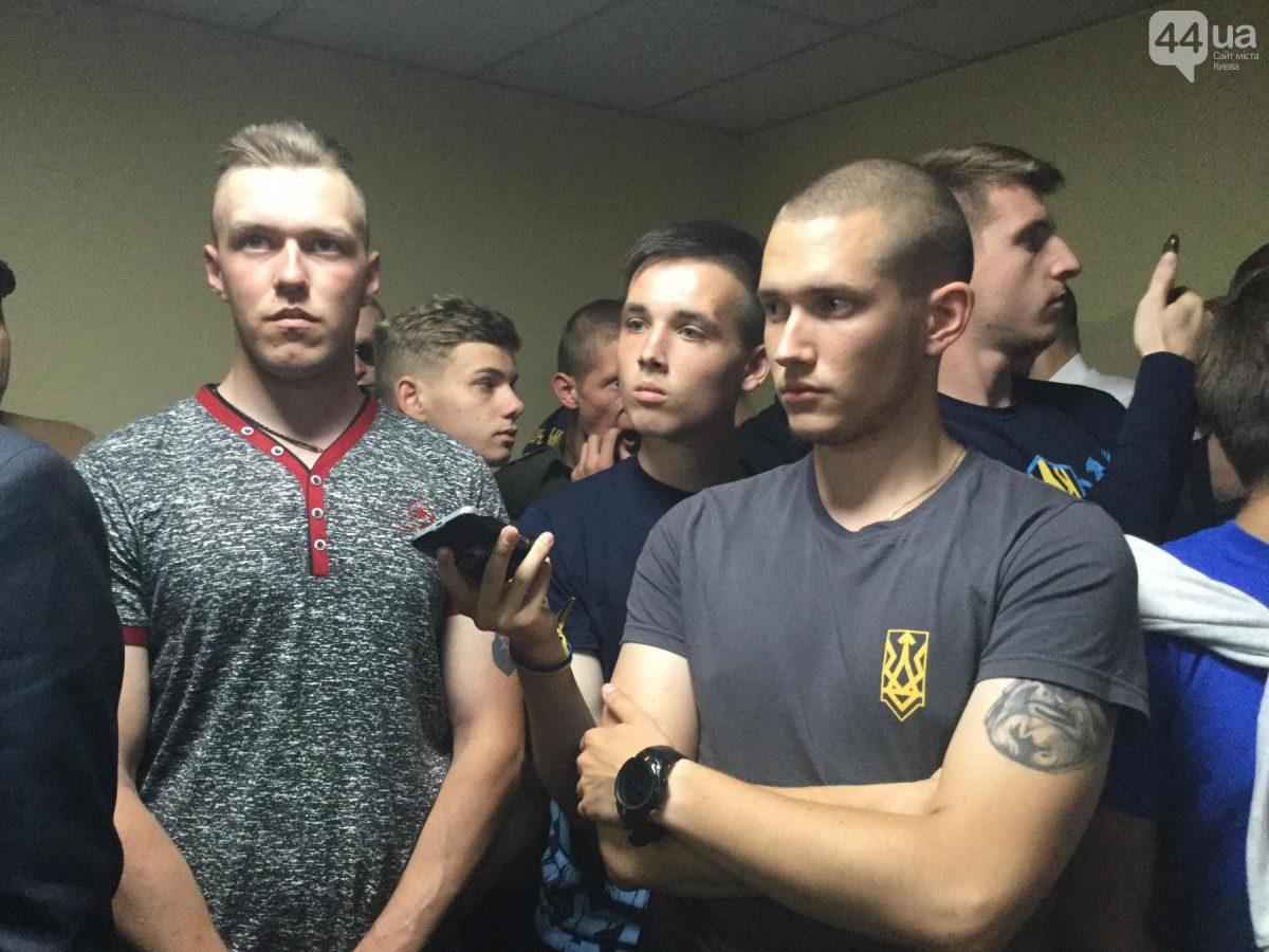 Киевсовет не поддержал создание музея на Почтовой площади. Нацдружина устроила потасовку