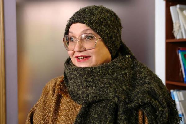 Актрису Русланову срочно доставили в поликлинику