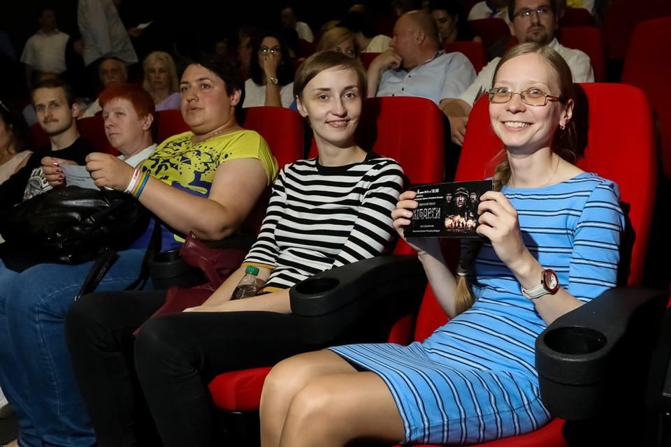Фотофакт: Украинский фильм «Киборги» вызвал овацию в Минске
