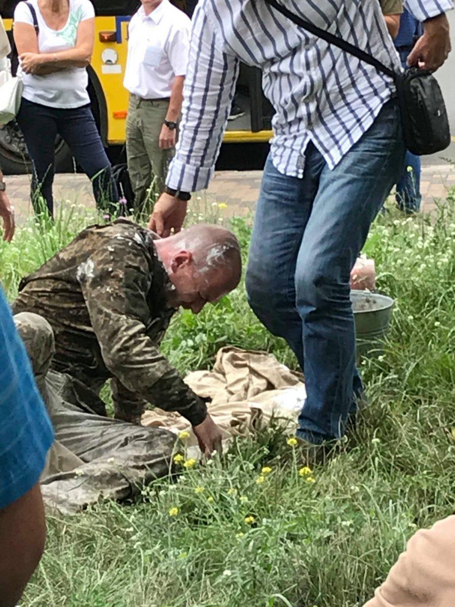 """Попытка самосожжение """"киборга"""" у здания министерства обороны Украины"""