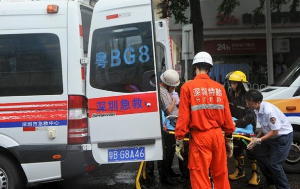 ВКитае цементовоз раздавил две легковушки, погибло девять человек