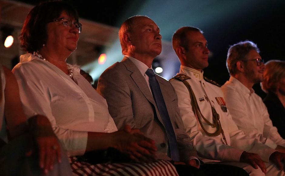 Печальное зрелище: Путин снова посетил оккупированный Крым
