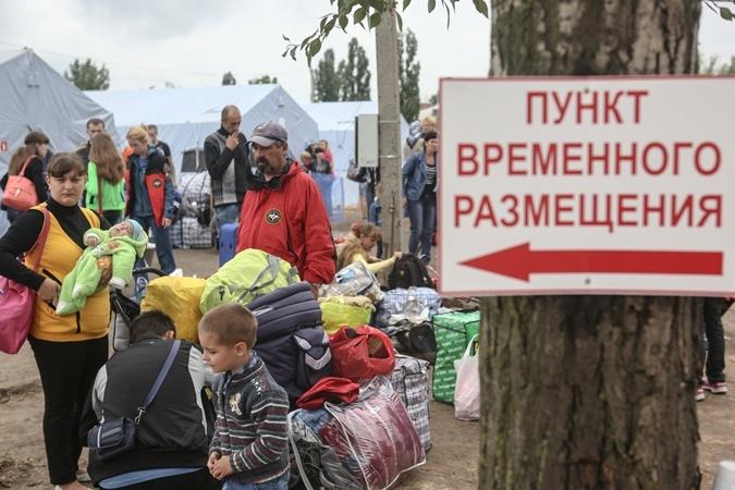 Порошенко подписал закон обессрочных справках переселенцев