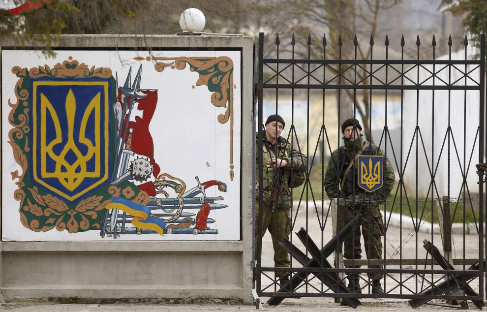 21:52 В Одессе военный моряк пресек попытку нападения на военный объект