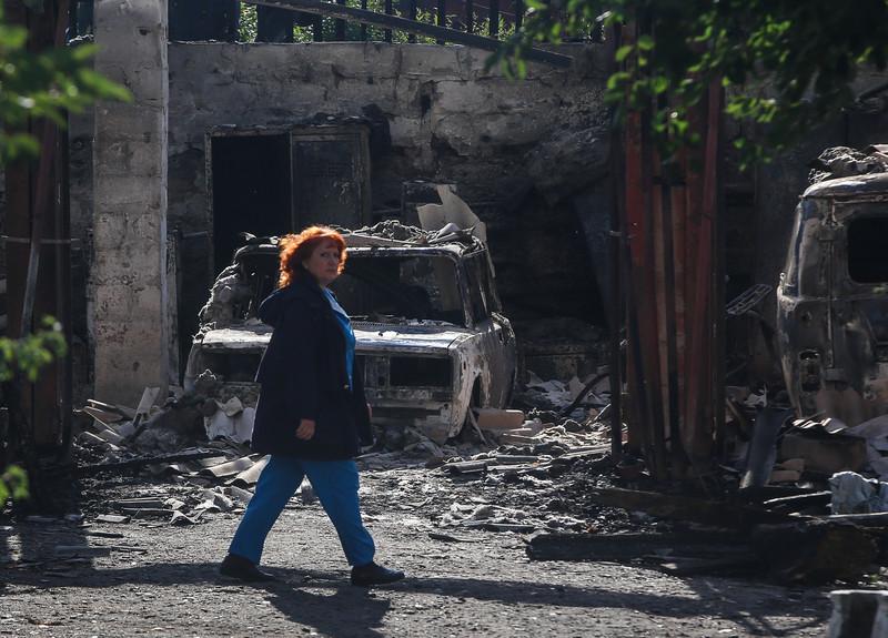 Советник президента рассказал, сколько украинцев хотят избавиться от Донбасса