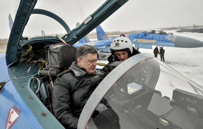 Petro Poroshenko at a military airfield