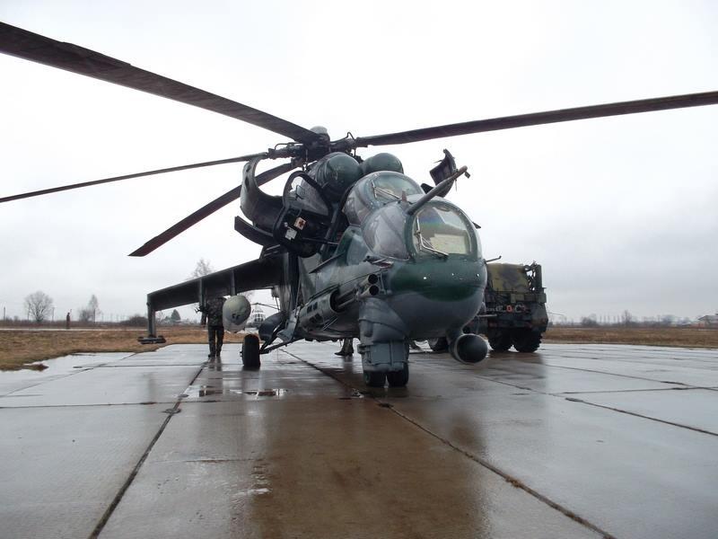 Украина имеет контракты с 11 странами ЕС на поставки оружия, в том числе летального, - Порошенко - Цензор.НЕТ 8945