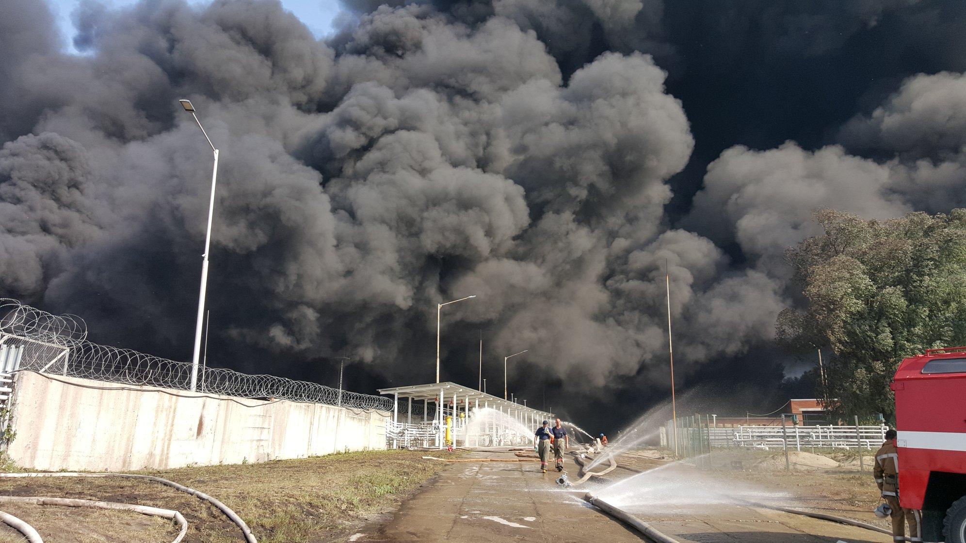 """""""Все причастные к трагедии, а также те, кто закрывал глаза на строительство нефтебазы у военных арсеналов, понесут уголовную ответственность"""", - Турчинов - Цензор.НЕТ 8087"""